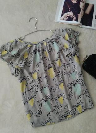 Блуза с воланнами