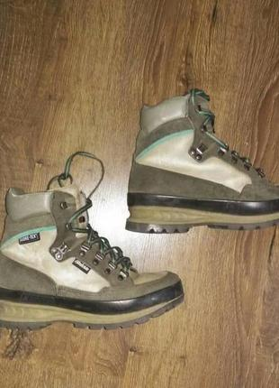 Треккинговые ботинки gore-tex