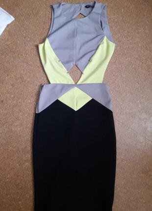 Шикарное платье с открытой спиной!