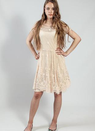 Платье летнее ажурное нарядное вечернее бежевое massimo dutti