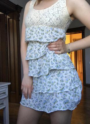 Летнее платье /цветочный принт/ярусное/ гипюр/ бежевое платье/ короткое/ майкой