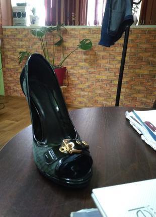 Супер туфлі