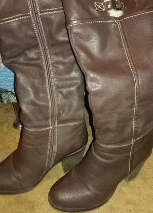 Зимне  сапоги на невысоком каблуке