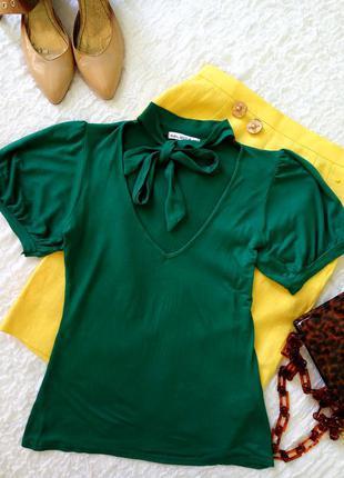 Зеленая изумрудная блуза-футболка с бантом галстуком, аскот, вискоза трикотажная