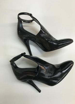 Туфли /ботильоны /ботинки/вечная классика на века