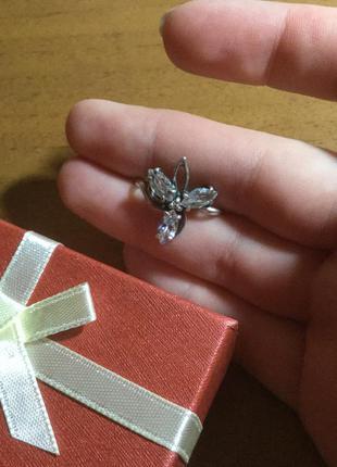 Серебряное кольцо с цирконием проба 925