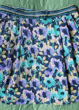 Яркая мини юбка в принт спідниця