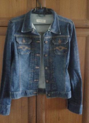 Стильная джинсовая куртка /cherokee/ размер s-m