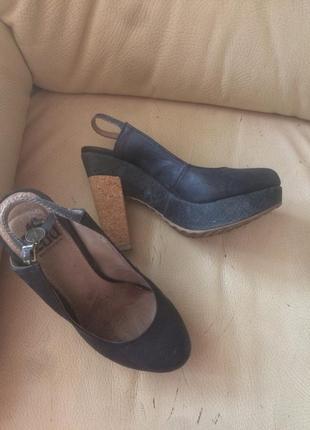 Уникальные туфли iron fist 36 с пробковым каблуком
