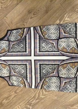 Шикарное платье прямого покроя