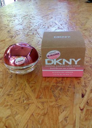 П/в dkny be delicious fresh blossom eau so intense, new york, 50 ml, оригинал, б/у