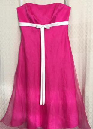 Ярко-розовое миди платье с корсетным верхом