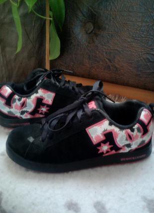 Кроссовки замшевые dc shoes оригинал.