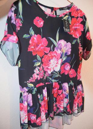 Красивая шифоновая блуза в цветочный принт с баской