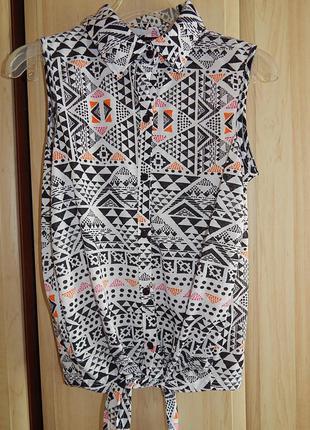 Летняя блуза с завязкой. африканский узор