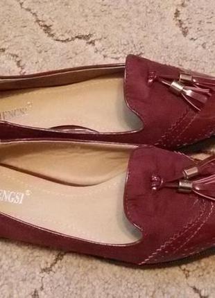 Красные бордовые туфли лоферы с кисточками замш лакированный носок