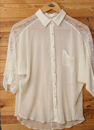 Шифоновая блуза с кружевными вставками
