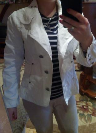 Пиджак белый,материал джинс