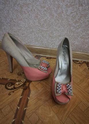 Туфли бусикы на каблуку розовые