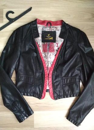 Куртка из кожзама укороченная