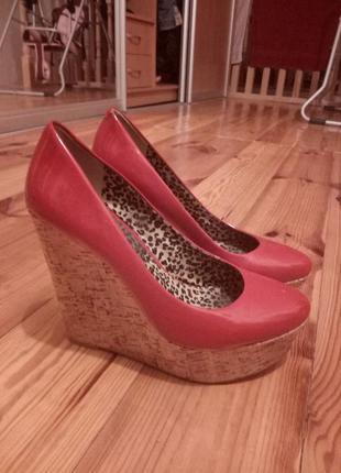 Супер красивые лаковые туфельки