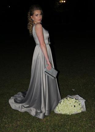 Выпускное {вечернее} платье со шлейфом индивидуального пошива