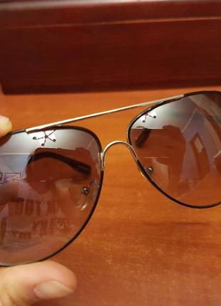 Стильные дымчатые очки - очень комфортные для глаз