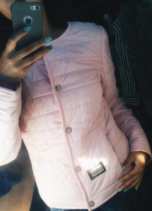 Весенняя курточка на кнопках