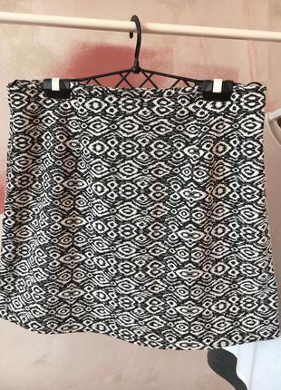 Мини юбка короткая  геометричный узор new look