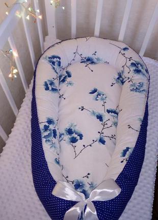 Кокон гнездышко позиционер для мальчика сакура синее горохи