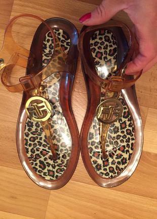 Красивые сандали силикон