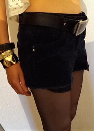 Очень мягкие и приятные вельветовые шорты с рваным низом/как новые