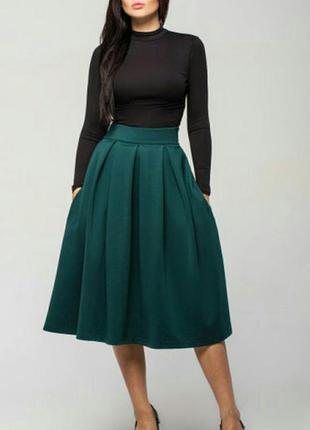 Идеальная миди-юбка трендового оттенка