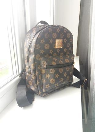 Продам маленький рюкзачек) имитация louis vuitton