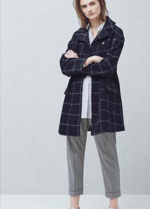 Крутое стильное пальто mango