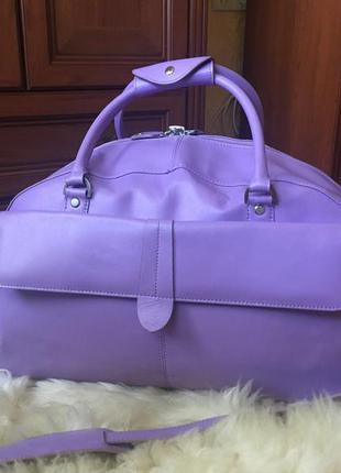 Роскошная яркая дорожная кожаная сумка,спортивная вместительная,натуральная кожа, лиловая