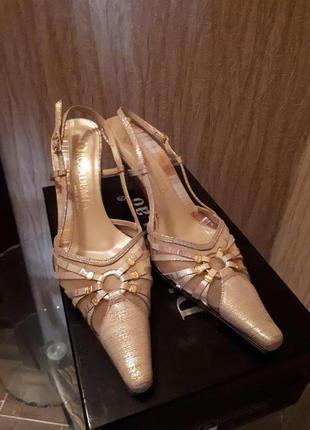 Женские итальянские туфли
