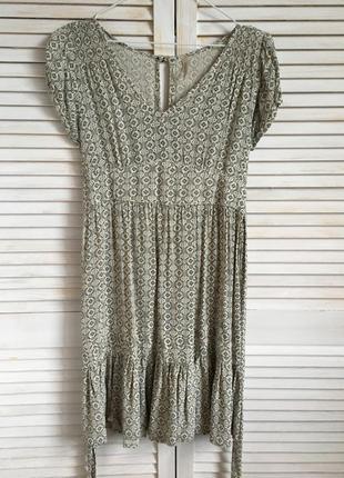 Романтичное платье e-vie