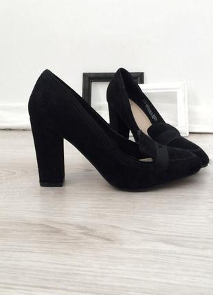 Туфли замшевые на каблуку от f&f