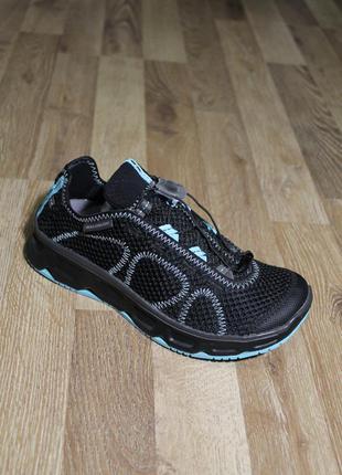 Супер круті кросівки salomon 38, 39 оригінал