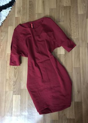 Красивое красное платье размер с-м цвет марсала италия
