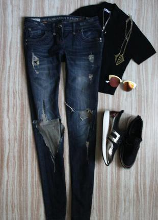 Актуальные рваные джинсы скини слимс на худышку высокий рост river island №125