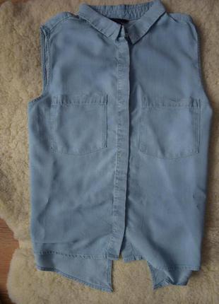 Рубашка без рукавов из светло голубого денима