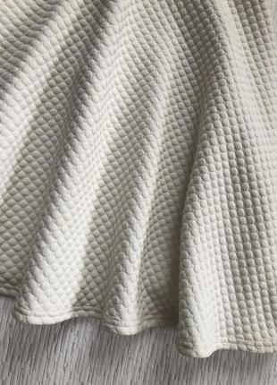Белая фактурная юбка солнце клеш s-m размер
