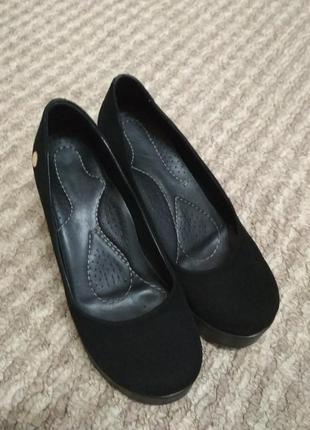 Шикарные замшевые туфельки