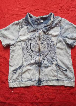 Джинсовая куртка рубашка на замке