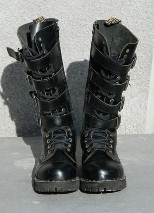 Культовые унисекс ботинки с металлическим носком steel