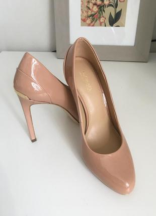 Новые туфли michael kors 34 (цвет nude)
