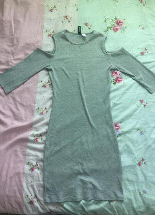 Серое платье в рубчик h&m