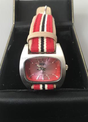 Часы наручные женские дорого бренда diesel
